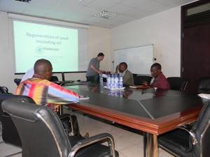 Globe-Core-seminar-on-transformer-oil-regeneration-technology-and-equipment-300x225